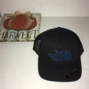 The North Face Trucker Cap OS New with tags